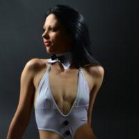 Alina - Charmante Romantikerin entzückt beim Kennenlernen mit erotischen Zungenküssen