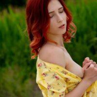 Milena - Reizvolle Prostituierte befriedigt mit Handentspannung beim Sex im Freien